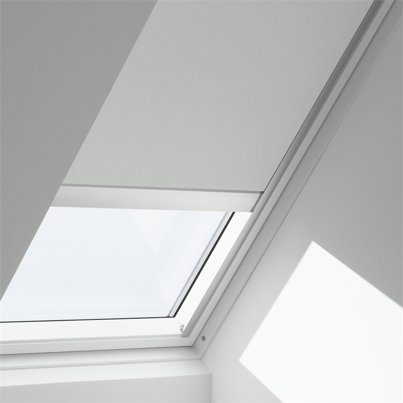 Velux 550 x 1180mm solar blockout blind bunnings warehouse for Velux solar powered blinds